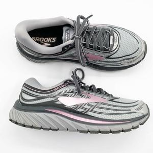 Brooks Size 8 Running Shoes Sneakers Silver Pink